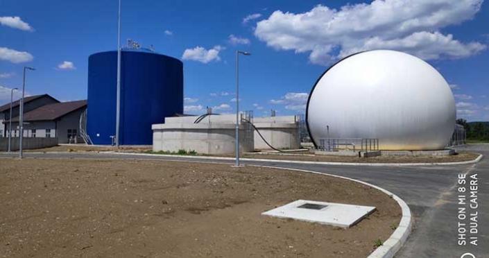 Anaerobni digestor i rezervoar za biogas